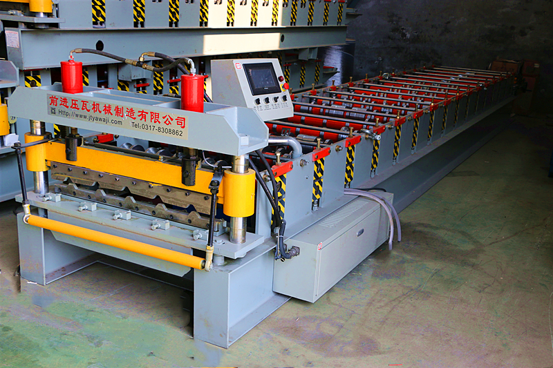 Kenya IT4 Trapezoidal Roofing Roll Forming Machine