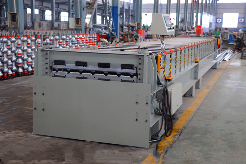 Cambodia Roofing Sheet Roll Forming Curved Machine